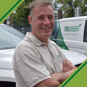 lawn care services swindon